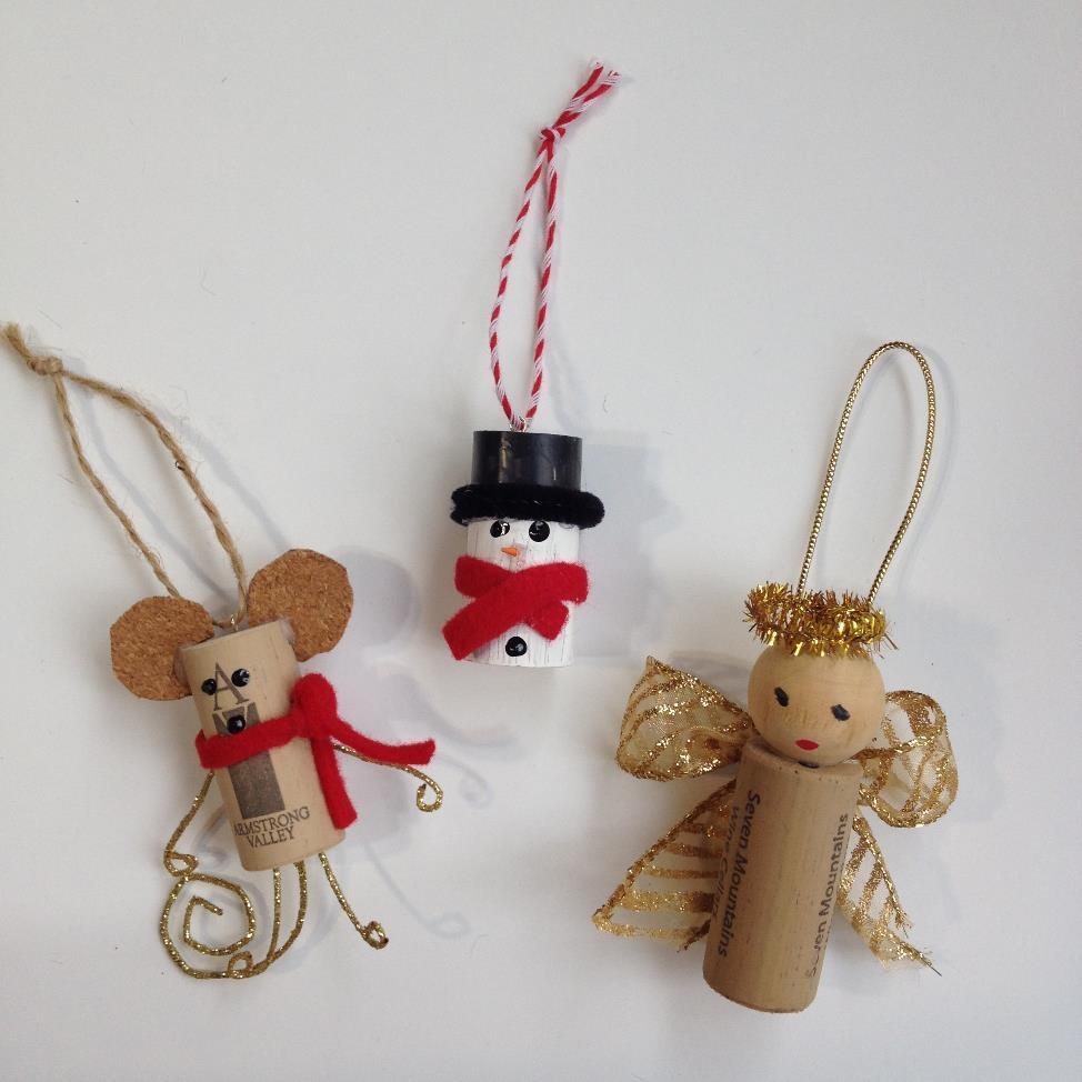 Wine Cork Ornaments | AMODERNCINDERELLA.COM