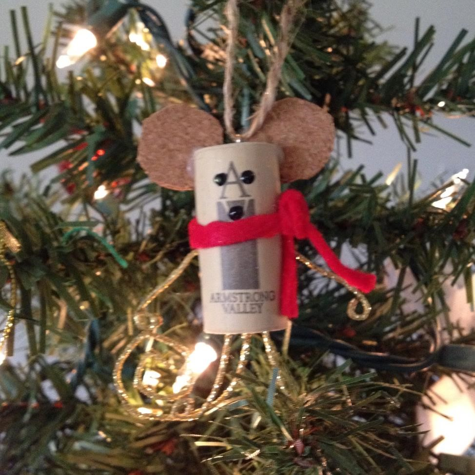 Wine Cork Mouse Ornament Tutorial from AMODERNCINDERELLA.COM