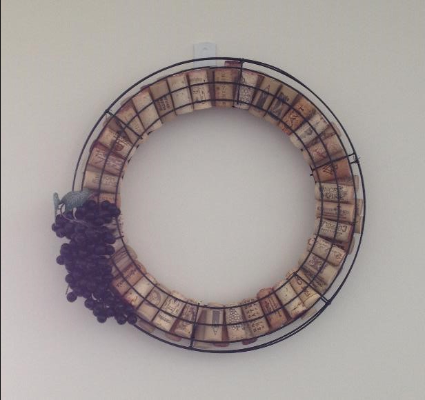 Easy Wine Cork Wreath Tutorial from AMODERNCINDERELLA.COM