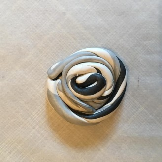 Marble Clay Ring Holder DIY from AMODERNCINDERELLA.COM